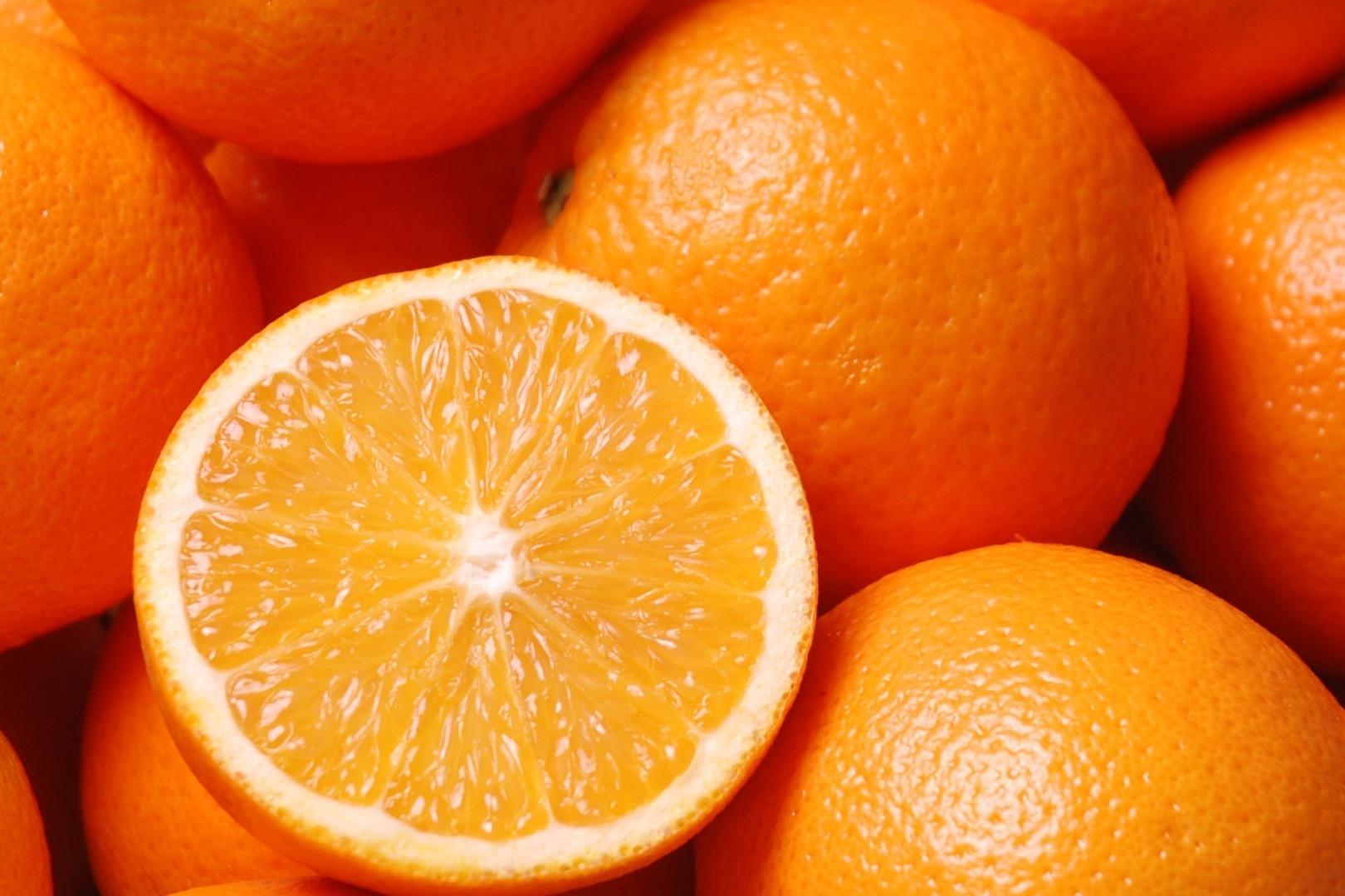 فوائد تناول البرتقال للشعر